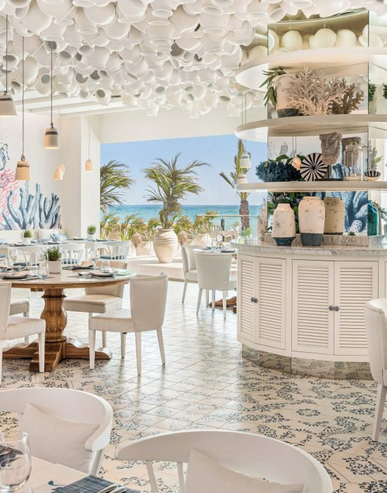 6 Ikos Andalusia Ouzo Restaurant Indoor_2880x1663